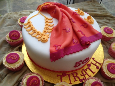 Saree & gold jewellery 50th cake